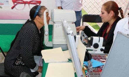 CANEK VÁZQUEZ INICIÓ PROGRAMA DE ENTREGA DE LENTES GRATUITOS