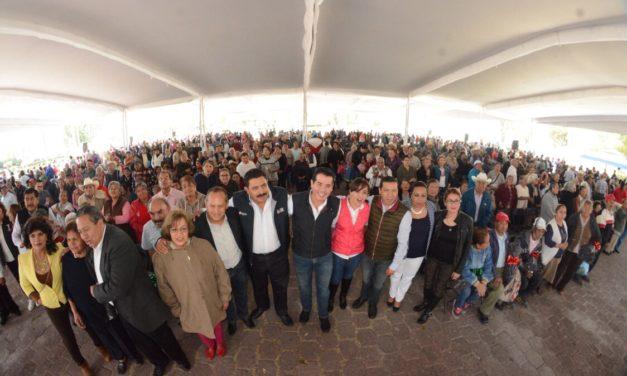 Entregan apoyos de Plan Invernal 2017 a Adultos Mayores de Tula
