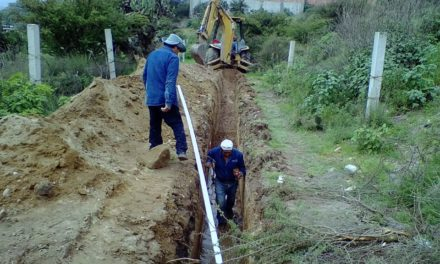 CAAMTROH continúa con los trabajos de ampliación de red de agua potable y drenaje sanitario.