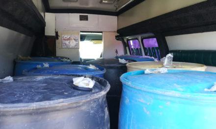 Asegura Policía Estatal ambulancia  cargada con hidrocarburo en Tlanalapa