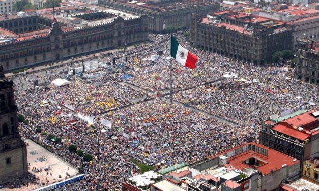 MÉXICO, A LA IZQUIERDA.
