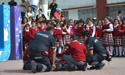 Dan inicio actividades del día nacional de protección civil con simulacro de evacuación por sismo.