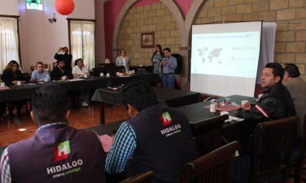 """Imparten conferencia  """"Perspectivas Económicas 2019"""" a empresarios de Tepeji"""